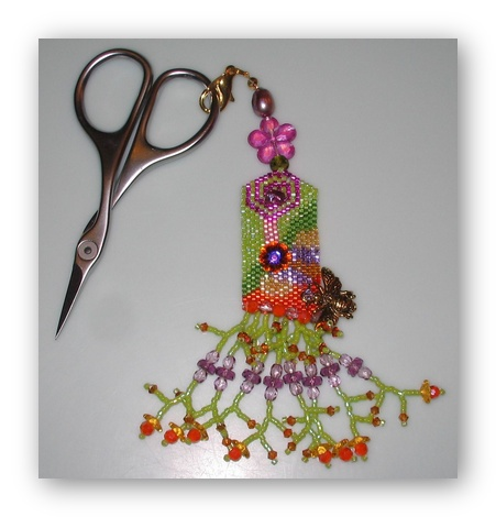 click here to view larger image of Let It Be - A Bee Scissor Fob Kit (bead kit)