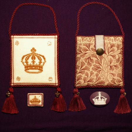click here to view larger image of Gold Crown Pocket (counted cross stitch kit)