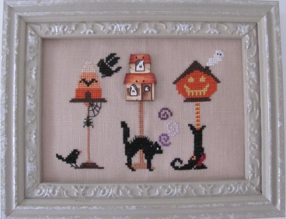 click here to view larger image of Halloween Birdhouse (chart with charms/buttons)