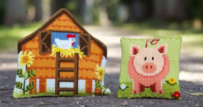 click here to view larger image of Sweet Litte Piggy (counted canvas kit)