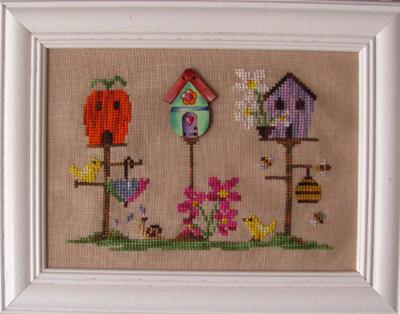 click here to view larger image of Spring Birdhouse (with button) (chart with charms/buttons)