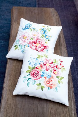 click here to view larger image of Flower Bouquet II Pillow (Back) (counted cross stitch kit)