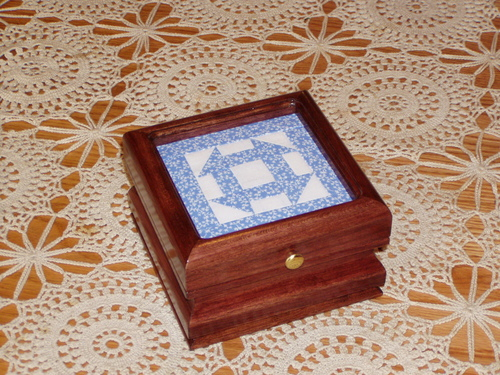 """click here to view larger image of Quilt Box in Oak - 4.5"""" opening (stitchable)"""