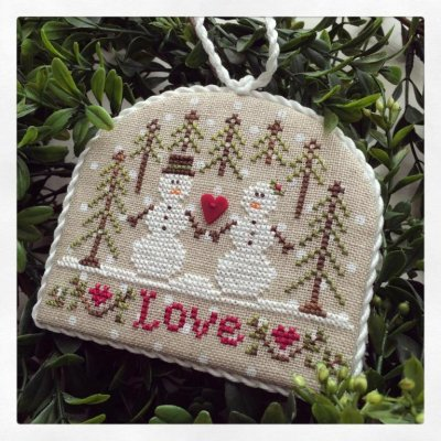 click here to view larger image of Snow Love - Classic Collection Ornament #3 (chart)