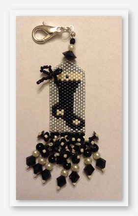 click here to view larger image of Black and White Christmas Fob (bead kit)