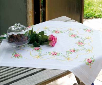 click here to view larger image of Garland with Roses Tablecloth (counted cross stitch kit)