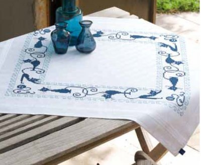 click here to view larger image of Cheerful Cats Tablecloth (chart)