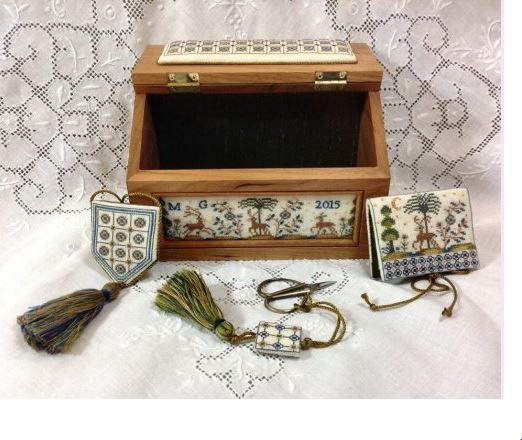 click here to view larger image of Azulejos Sewing Casket - A Portuguese Box (chart)