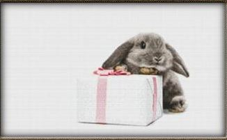 click here to view larger image of Cute Bunny With Gift (chart)