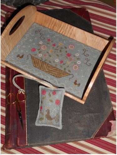 click here to view larger image of Floral Basket Tray With Fob (chart)