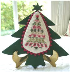click here to view larger image of Folk Art Christmas Tree (chart with charms/buttons)