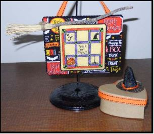 click here to view larger image of Halloween Quilt - Petite Hatbox Collection (chart with charms/buttons)