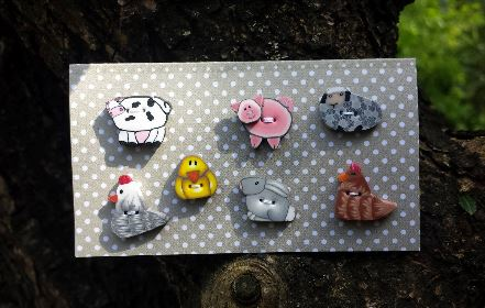click here to view larger image of Farm Animal Buttons (pin)