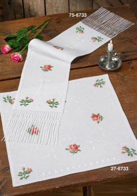click here to view larger image of Roses Classic - Table Cloth (counted cross stitch kit)
