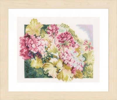 click here to view larger image of Geraniums (counted cross stitch kit)