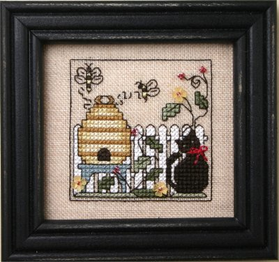 click here to view larger image of Itty Bitty Kitty and The Honeybees (chart with charms/buttons)