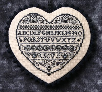 click here to view larger image of Blackwork Heart (chart with charms/buttons)