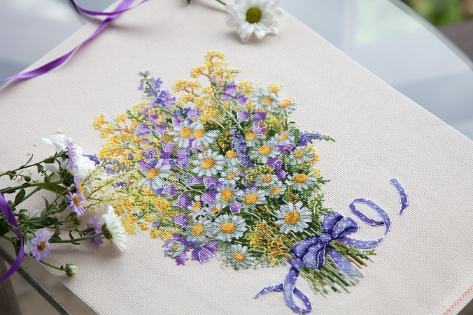 click here to view larger image of Summer Flowers (counted cross stitch kit)