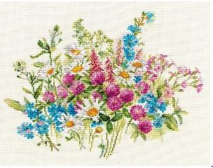 click here to view larger image of Clover and Daisies (counted cross stitch kit)