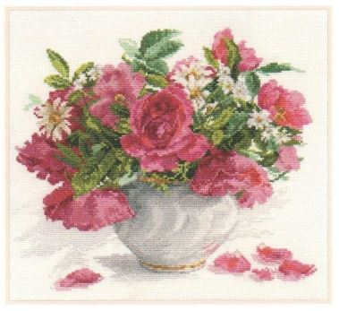 click here to view larger image of Blooming Garden Roses and Daisies (counted cross stitch kit)