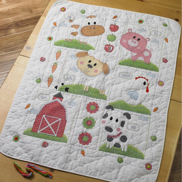 click here to view larger image of Farm Animals Crib Cover (stamped crib cover)