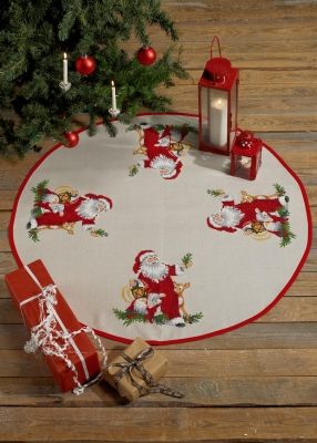 click here to view larger image of Santa Claus Tree Skirt (counted cross stitch kit)