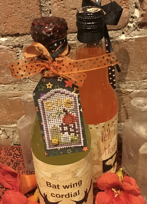 click here to view larger image of Halloween Pumpkin Tag - Kit (counted cross stitch kit)