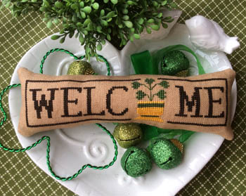 Wee Welcome - March Shamrock - click here for more details about chart
