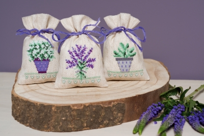 click here to view larger image of Provence Bags - Set 3 (counted cross stitch kit)