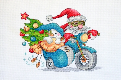 click here to view larger image of Christmas Racing (counted cross stitch kit)