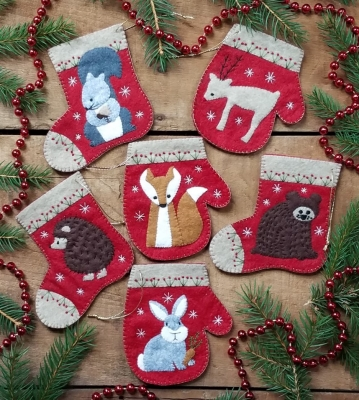 click here to view larger image of Christmas Critters Kit Ornaments (felt applique/needle felting)