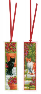 click here to view larger image of Bookmark Cats (set of 2) (counted cross stitch kit)