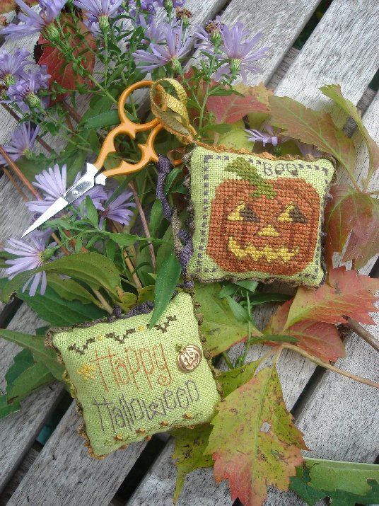 click here to view larger image of Halloween Fob (counted cross stitch kit)