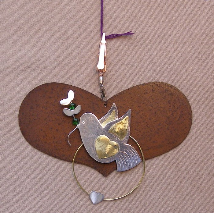 click here to view larger image of Heart With Peace Dove Thread Separator - 4.25 inches (accessory)