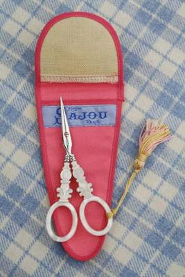 click here to view larger image of Mother of Pearl Style Scissors (accessory)
