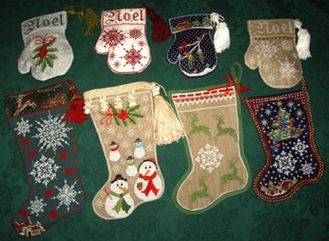 click here to view larger image of Noel Stockings (chart)