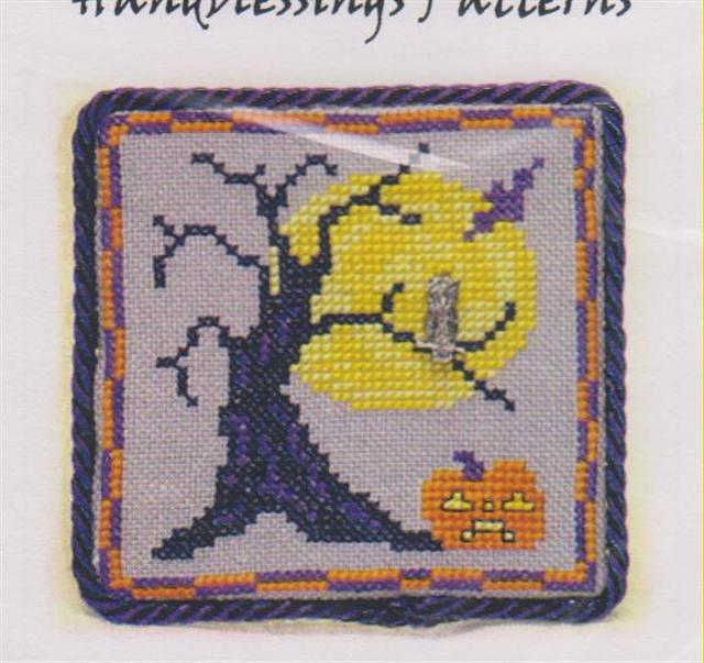 click here to view larger image of Owl in a Haunted Tree (chart with charms/buttons)