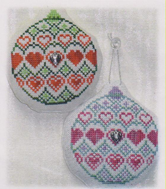 click here to view larger image of Old Fashion Quilt Ornament - Sweetheart Quilt (chart with charms/buttons)