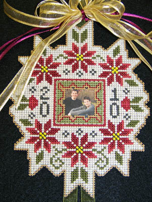 click here to view larger image of Christmas Photo Ornament (chart)