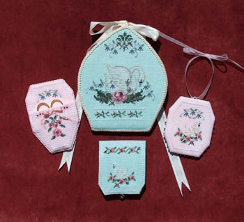 click here to view larger image of Swan Sewing Case & Accessories (chart)