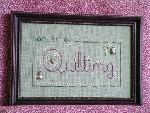 click here to view larger image of Hooked on Quilting (charms included) (chart with charms/buttons)