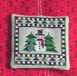 click here to view larger image of Snowman Quilt Ornament (chart with charms/buttons)